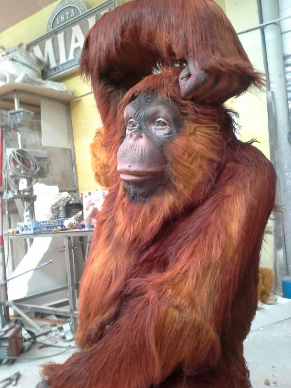 Figura a tamaño real de un mono