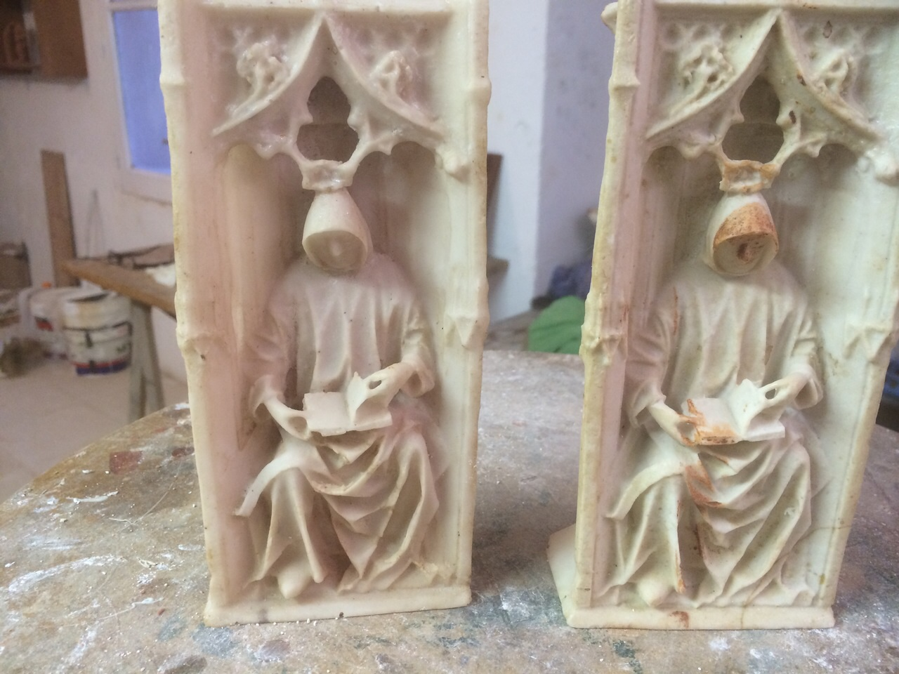 Figuras en resina la Cartuja de Miraflores