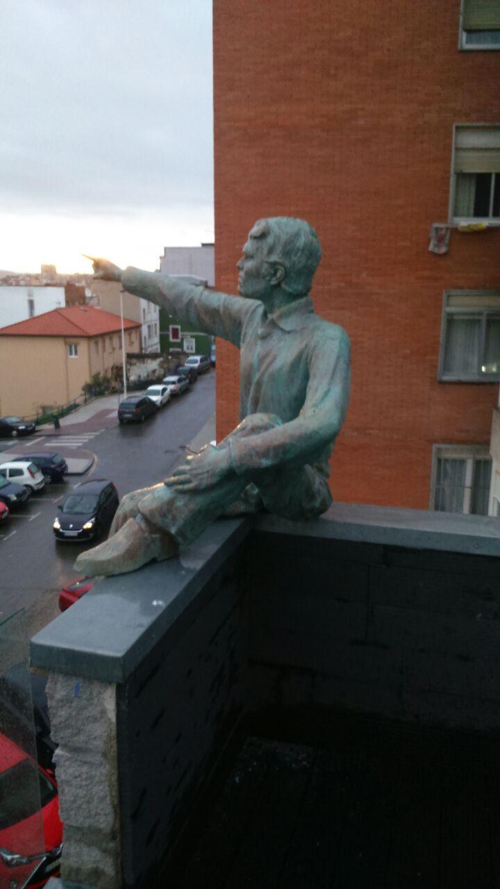 Escultura hombre resina y fibra de vidrio