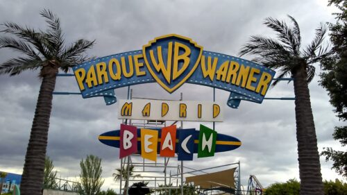 Cartel de resina de Parque Warner Beach Madrid
