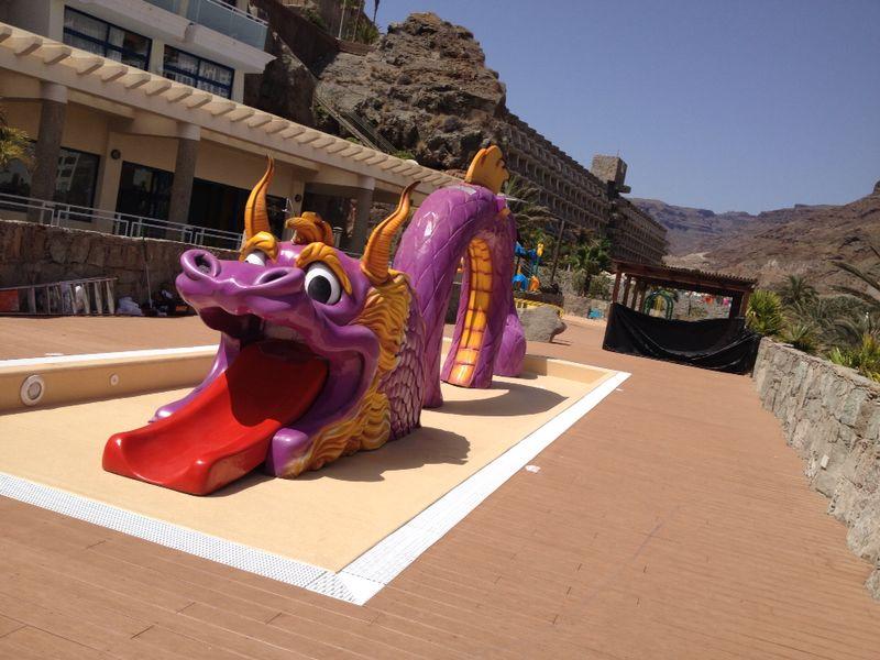 Figura de Dragón gigante en porexpan