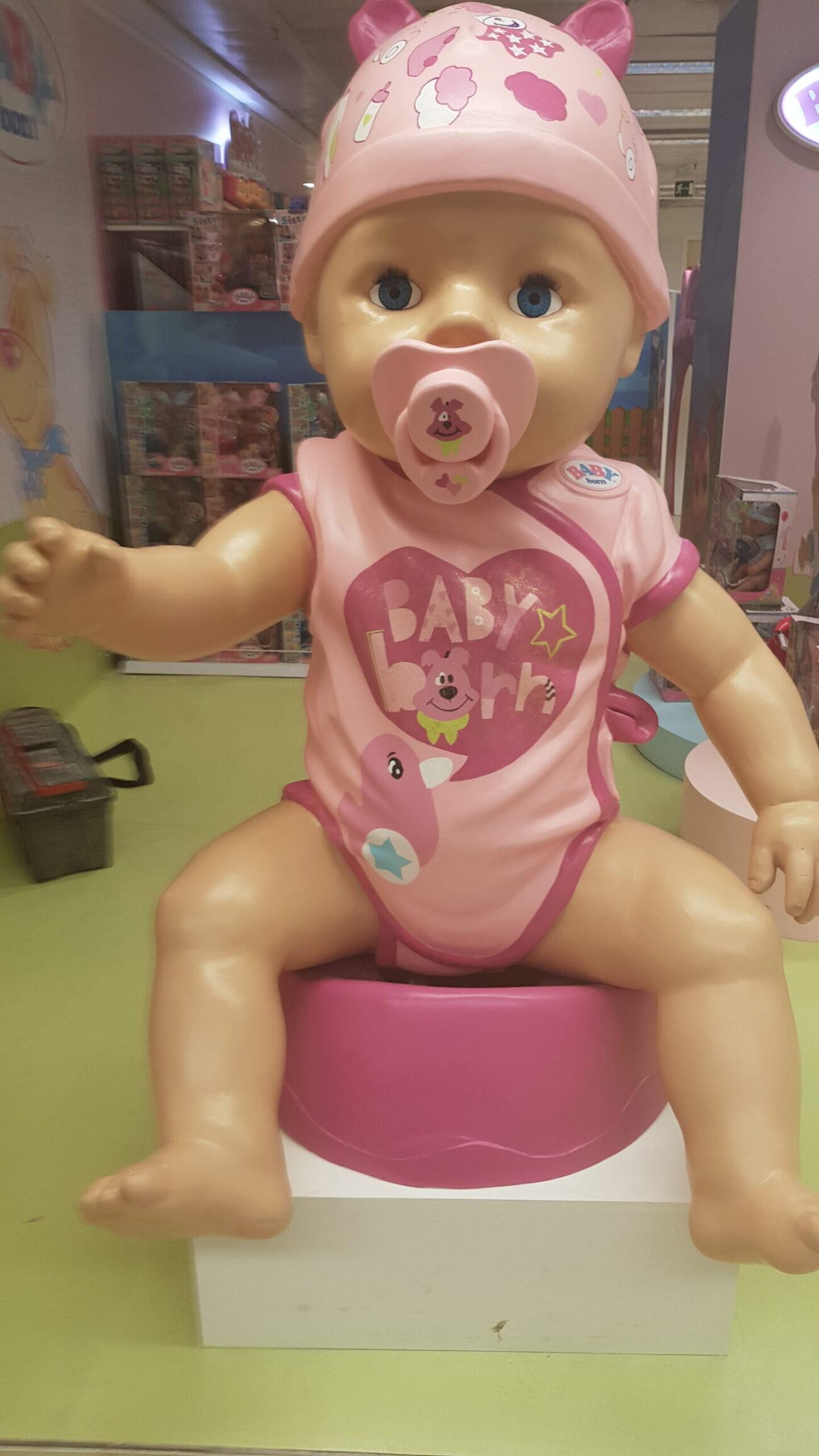 Muñeco Baby Born en porexpan